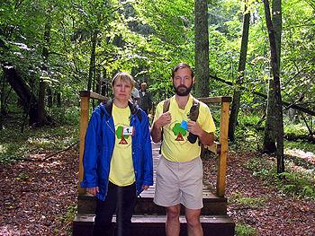 С женой Татьяной на туристической тропе в Беловежском национальном парке, Польша, 2006 г.