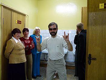 В местной школе во время вечера выпускников, юмор ''чечена'', 2007 г.