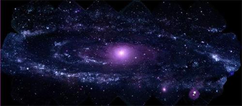 галактика ''Туманность Андромеды'' в ультрафиолетовом диапазоне излучения