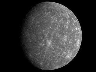 Изображение Меркурия, полученное зондом Мессенджер во время сближения с планетой в ночь с шестого на седьмое октября. Фото NASA/JPL