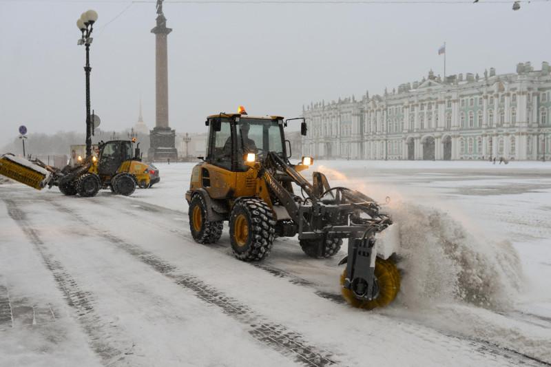 Питерское руководство координируют работу всех служб города по снегоуборке