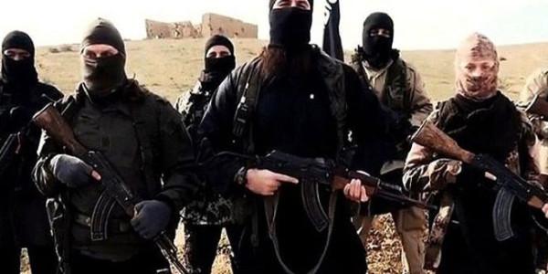 «The Daily Telegraph»: сотни британских террористов остаются в Сирии и воюют на стороне ИГ*