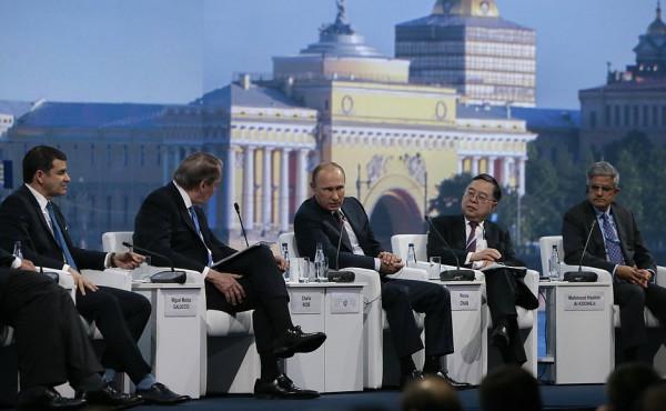 Питерские власти будут активно стимулировать локальный бизнес