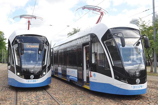 Обновленный трамвайный парк порадует петербуржцев комфортом и бесплатным Wi-Fi