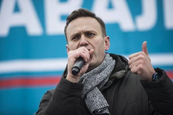 Навальный сделает жителей России рабами: Блогер стал главным героем фантастического романа