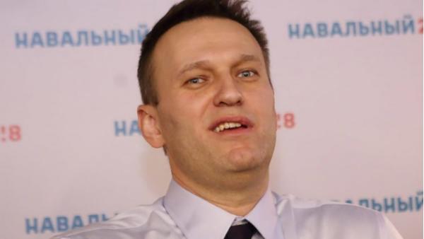 Хамло Навальный оскорбляет людей – пора дать ему  по сусалам