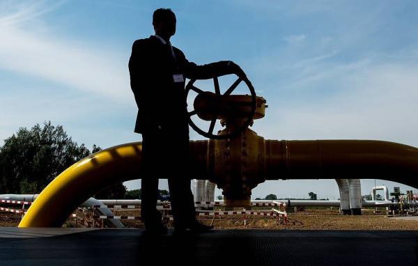 Польша спасла Украину  - транзитный газ из России будет идти через ГТС Незалежной