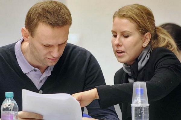 Либеральная дешевка  Соболь хайпится на деле Устинова, хотя она сама его подвела под срок