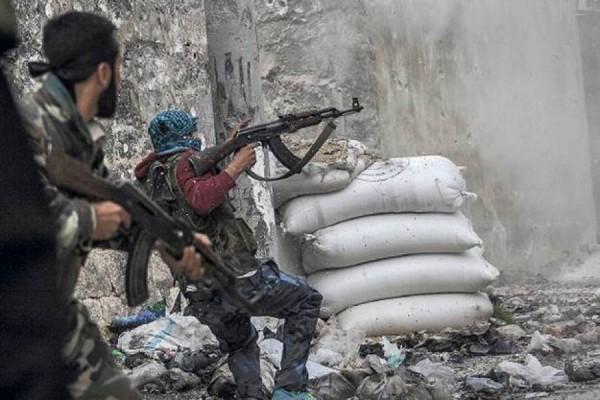 Сирийский конфликт: Боевиков в Идлибе вытесняют к турецкой границе