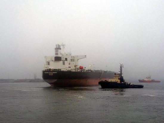 США на доходы от ворованной ливийской нефти поддерживает «карманное» правительство в Киеве