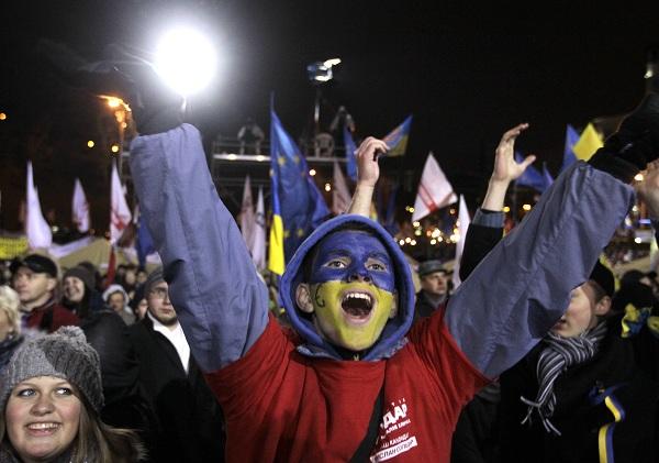 Как свержение старой власти и упадок новой отражают новости Украины