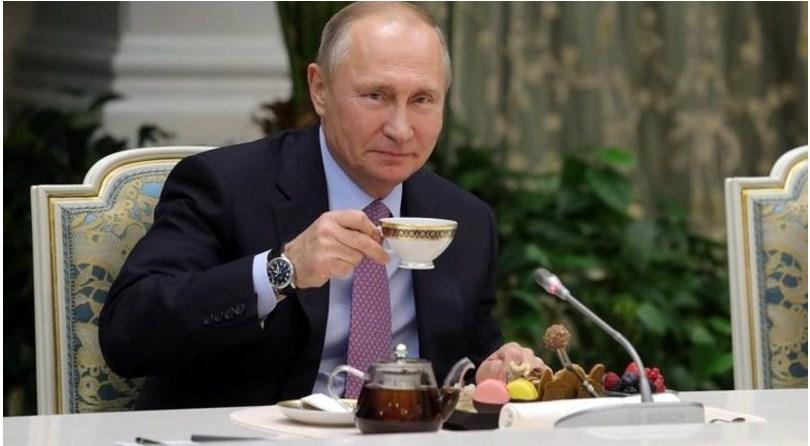 В Санкт-Петербурге доверенным лицом Владимира Путина на выборах стала знаменитая певица