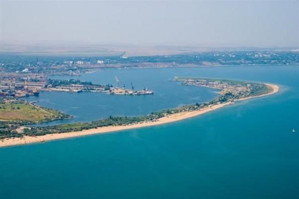 Борьба с «пиратством»: Россия не пропустит украинские суда через Керченский пролив