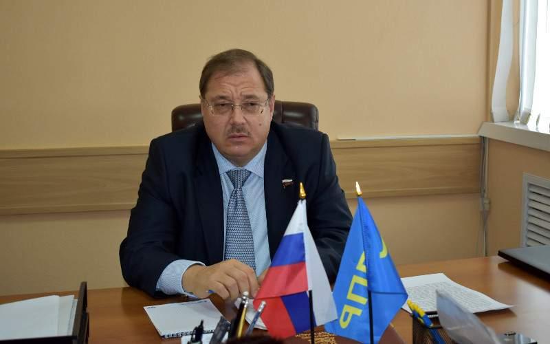 Как депутат Пайкин наживается на бедах жителей Ленинградской области