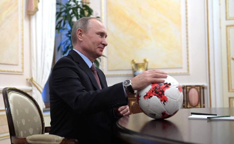 Путин об окончании ЧМ – на стадионах будут заниматься юные футболисты