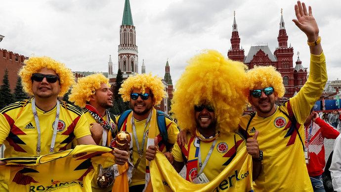 Колумбиец Карлос из США благодарит Россию