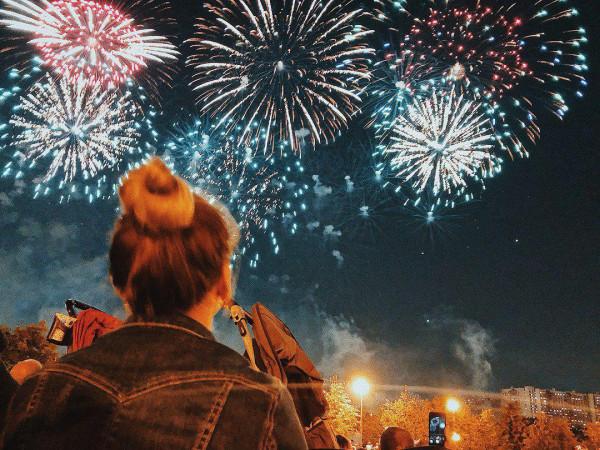 Новый облик Братеевского парка в отблеске тысяч фейерверков фестиваля «Ростех»