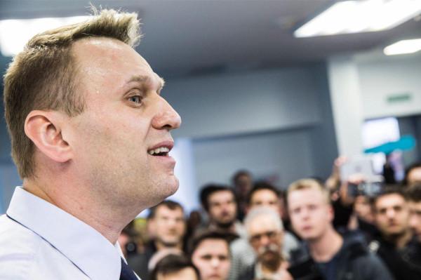 Детские заигрывания Навального окончательно переводят его в разряд политического трупа