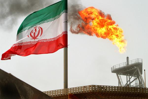 Иран нашел, кому продавать свою нефть в обход американских санкций