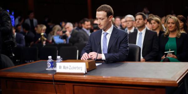 Facebook: подписчики редеют, судебные иски множатся