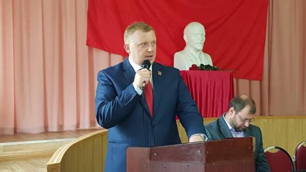 «Скелеты в шкафу Ищенко»: почему коммунисты открестились от своего кандидата в Приморье