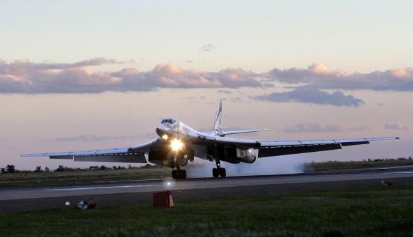 Россия и Венесуэла проводят совместные военные учения на Карибах