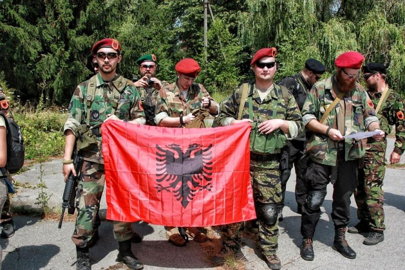 США дестабилизируют ситуацию на Балканах,  поддерживая создание армии и МО Косово