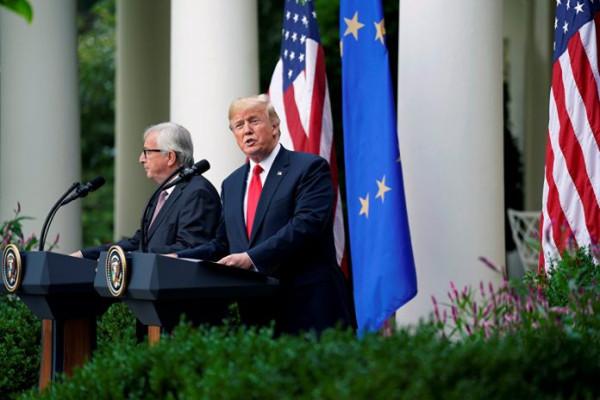 ЕС и США поддерживают коррупцию на Украине