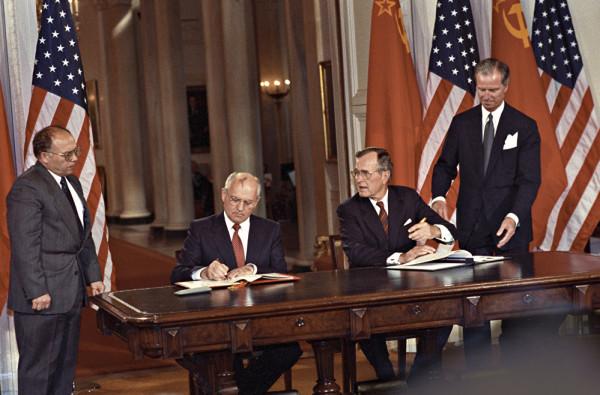 Раскол в НАТО: Германия не хочет размещать ядерные ракеты США