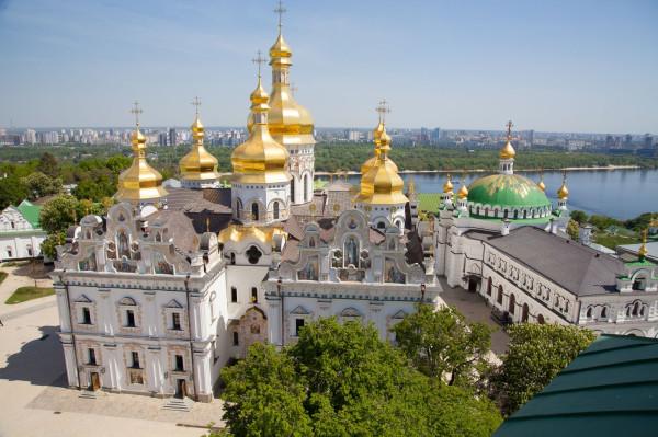 Гонимым украинским верующим предоставят убежище и гражданство в России