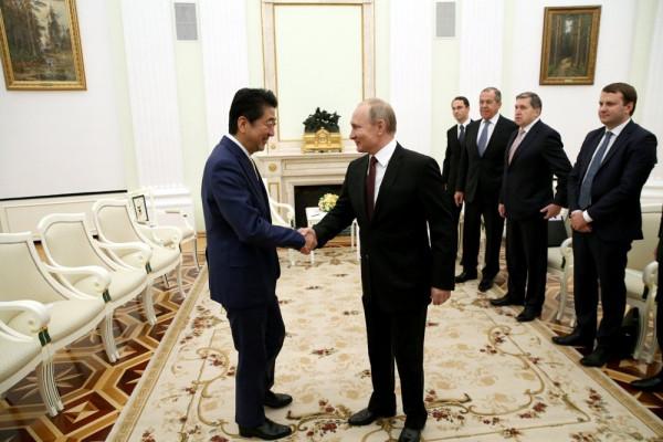 Путин: «Мирный договор с Японией – да, Курилы – однозначно нет»