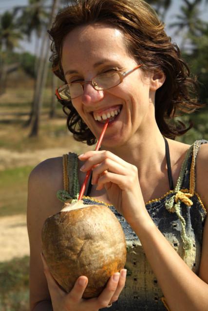 анна рабушко с кокосом