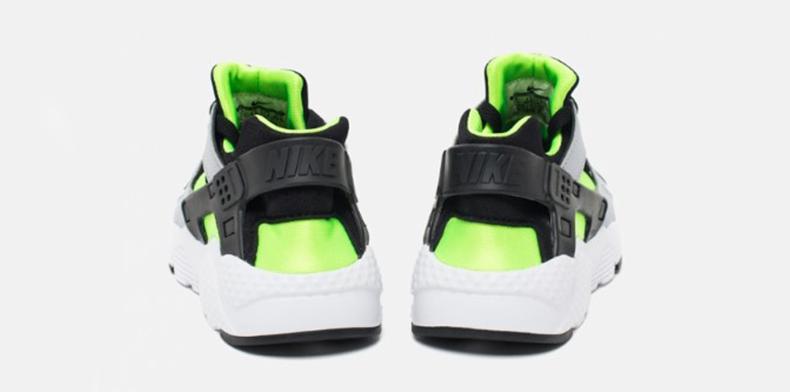Фото подростковых кроссовок Nike Huarache