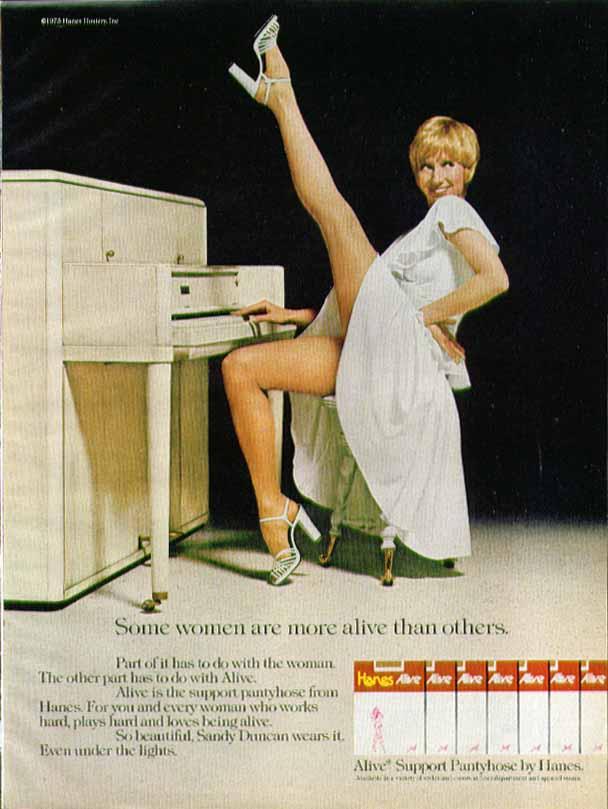 1976-SandyDuncan-pantyhose