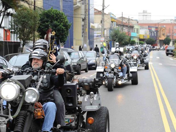 байкеры Бразилии празднуют Апаресиду в Бразилии
