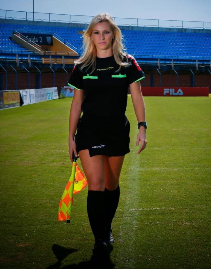Bandeirinha Fernanda Colombo Uliana - Imagem 08