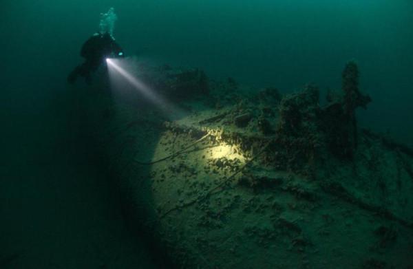 глубина черного моря для подводных лодок