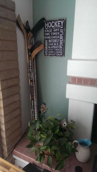 hockeysignandsticks