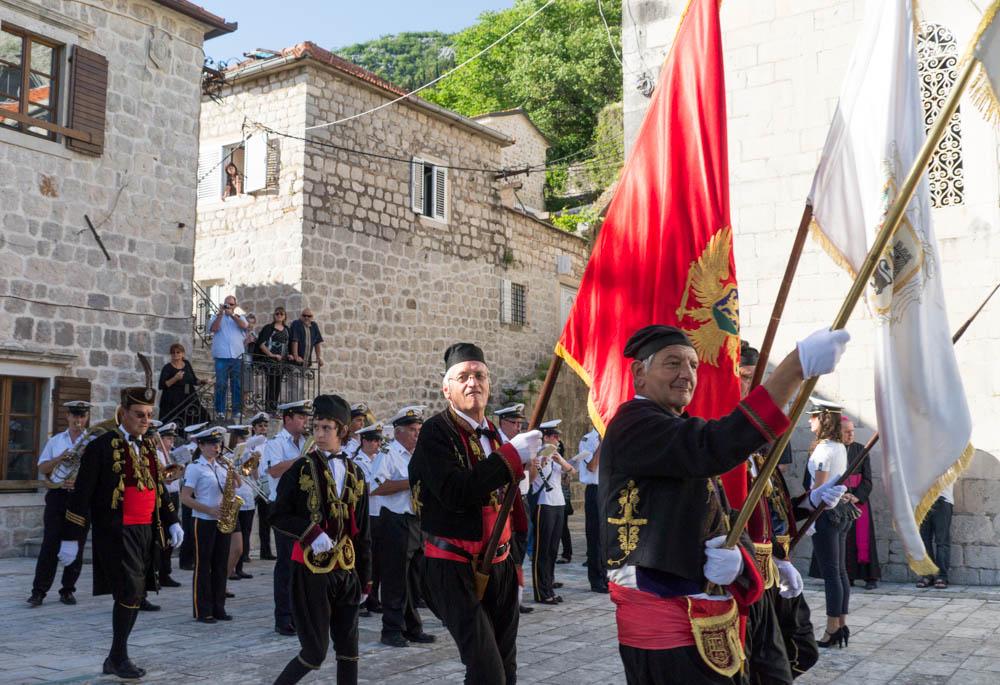 фото жителей черногории поделиться вами своим