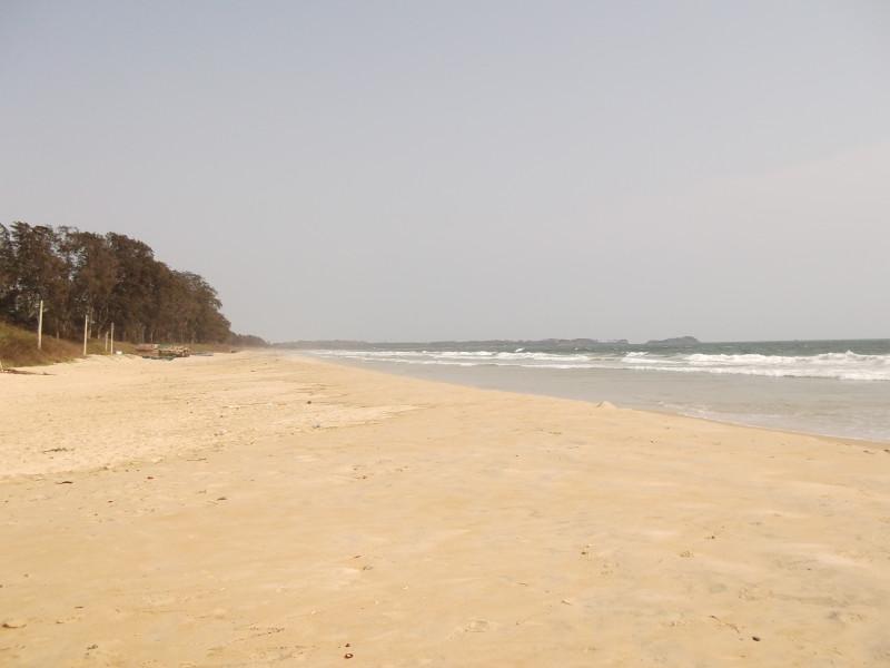 Типичный пляж (с непроизносимым названием)