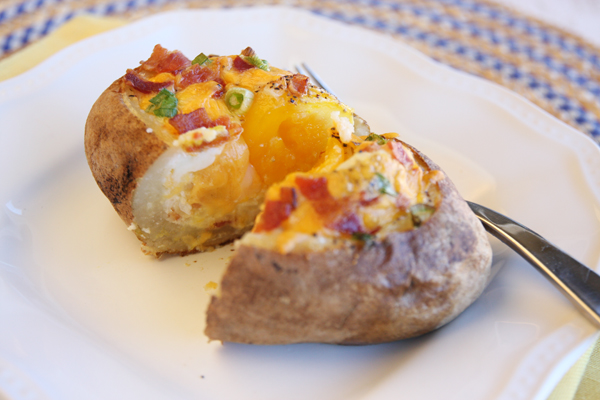 Egg-Stuffed-Potato-Soft-yolk-hrz