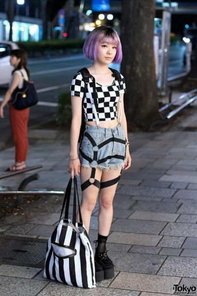 fashion_forward_people_spotted_on_the_streets_of_tokyo_640_04
