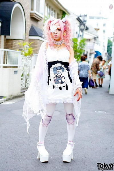fashion_forward_people_spotted_on_the_streets_of_tokyo_640_09
