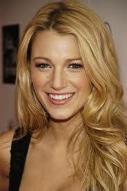 Blake Lively (Serena)