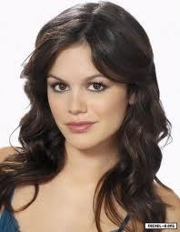 Rachel Bilson (Amelia)