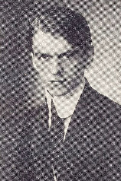Поэт, драматург и журналист Казис Бинкис (1883–1942).