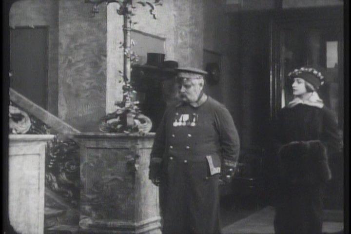 """Эльза Крюгер. Кадр из фильма """"Молчаливые свидетели"""" режиссера Евгения Бауэра (1914)."""