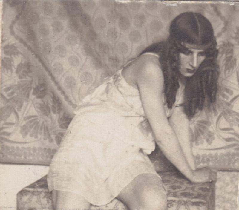 Оленька Шведе в в одной из театральных постановок.