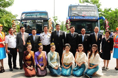 Bus-Laos-Thai