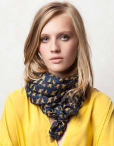 pull-bear-bird-print-foulard-aed-75
